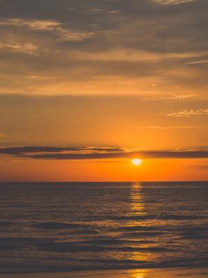 橙色日出海滩移动壁纸