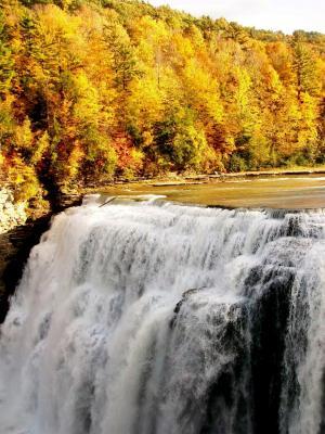 秋季瀑布手机壁纸