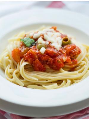食物意大利面番茄主题工作区移动壁纸