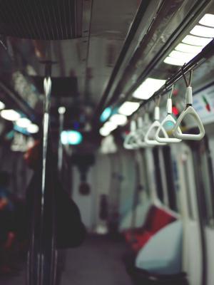 地铁宏观手机壁纸