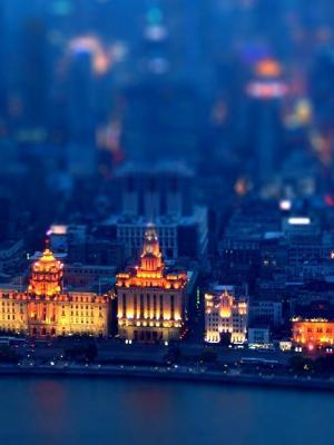 蓝色的城市景观倾斜移动手机壁纸