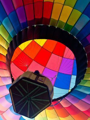 五颜六色的热空气气球手机壁纸