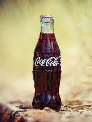下载可乐瓶手机壁纸