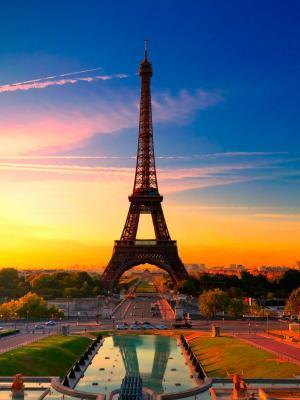 艾菲尔铁塔在日落移动壁纸