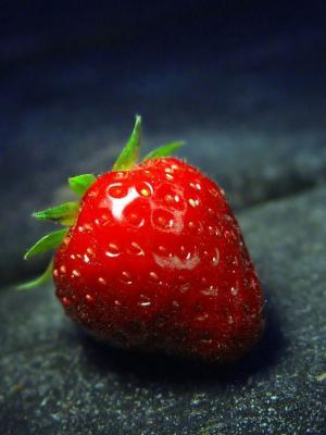 草莓红色关闭了移动墙纸