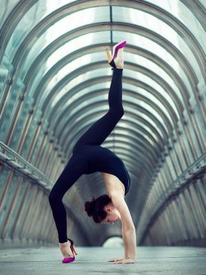 女孩体操移动壁纸