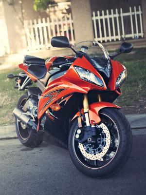 红色摩托车移动壁纸