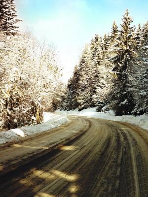 路冬季移动壁纸
