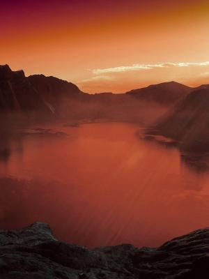 火山湖移动壁纸