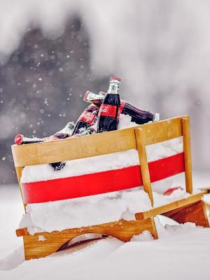 可口可乐瓶喝雪橇移动壁纸