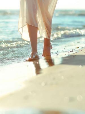 心情女孩的腿沙滩移动壁纸