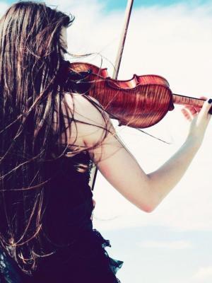 小提琴手女孩手机壁纸
