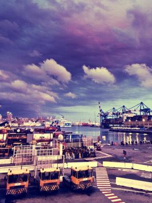 都市风景码头手机壁纸