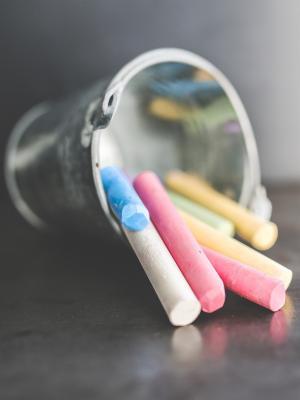 孩子们玩具粉笔彩色手机壁纸