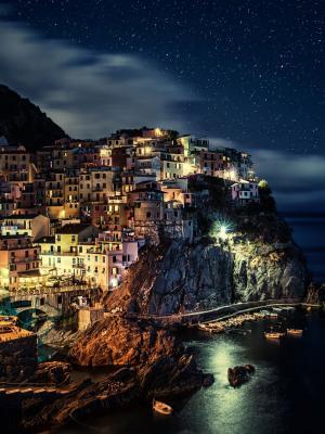 Manarola镇在意大利移动壁纸
